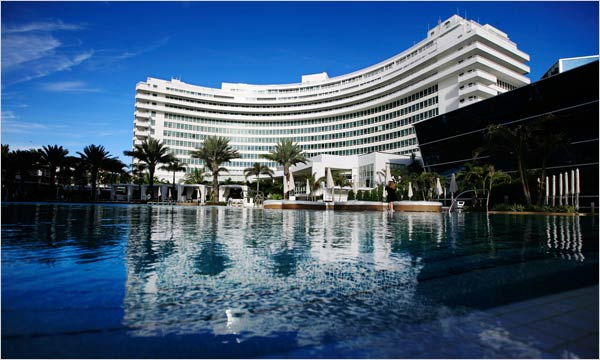 Fontainebleau Hotel Miami Beach Back In Action
